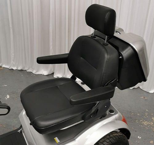 tga-breeze-s4-seat