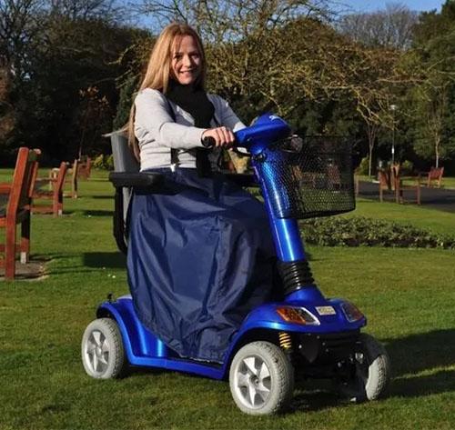 scooter-leg-cape